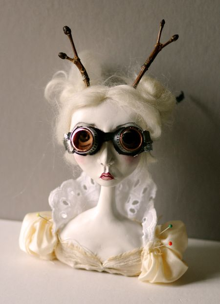 Hil w: goggles