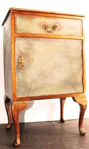Kiki dresser